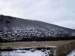 поселки на склонах гор