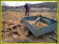 Опилки на даче для укрытия растений в холодное время года