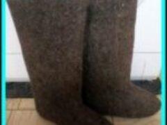 Зимняя обувь валенки в Сибири необходимы в морозные дни