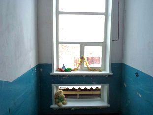 новое окно в подъезде