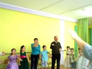 танцы внуков и дедов