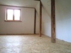 Отделка мансарды дачного домика стен потолка и пола