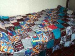Лоскутное одеяло из квадратов на синтепоне шью впервые